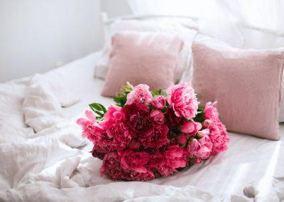 romantic-bedroom-ideas-1579037106